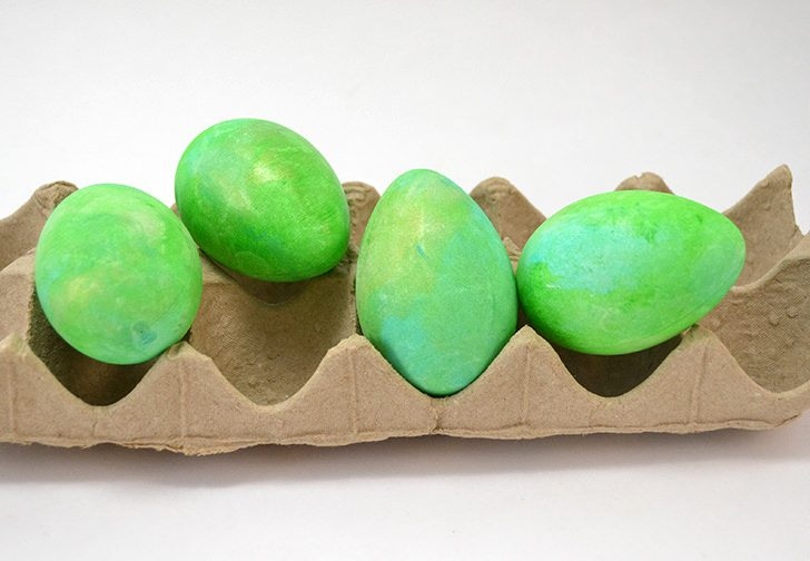 """These gross alien Easter eggs are super easy to make and just the right amount of """"ooh"""" for those kids that dig that sort of thing!"""