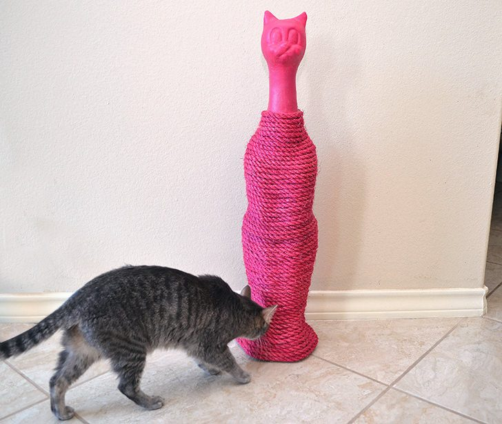 Use a statue to make a Homemade Cat Scratcher. It's easy and can fit in seamlessly with your decor!