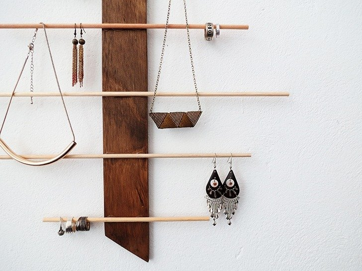 diy wall jewelery holder 8