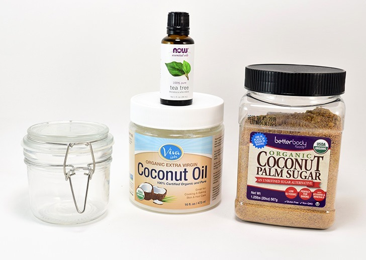 Looking for a good face scrub when you've got acne? I am in love with my new coconut acne scrub!