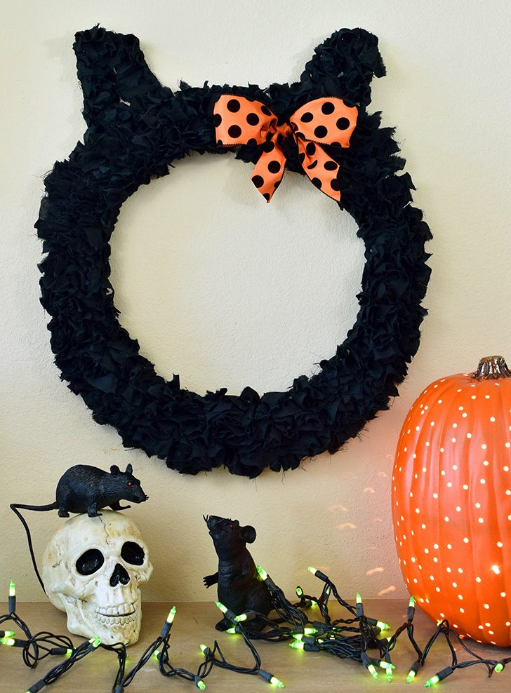Black Cat Wreath
