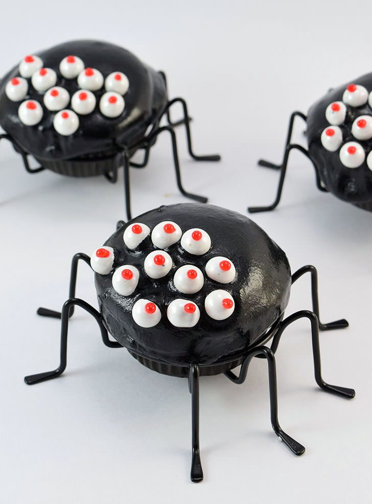 Simple Spider Cupcakes