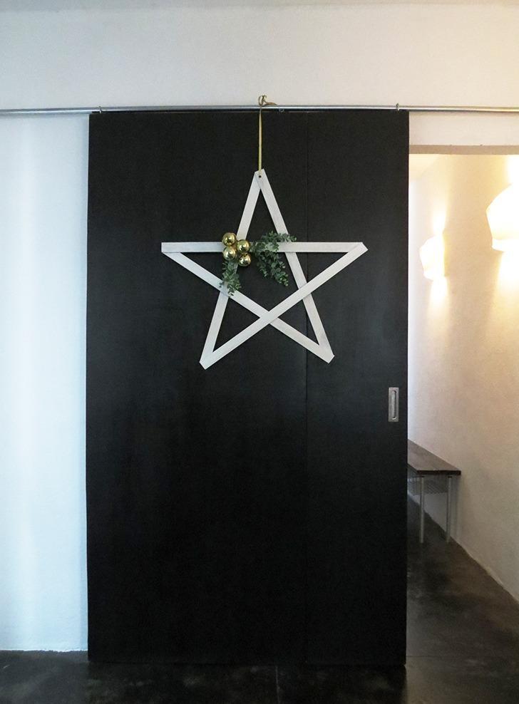 Diy Christmas Star Door Decor Dream A Little Bigger