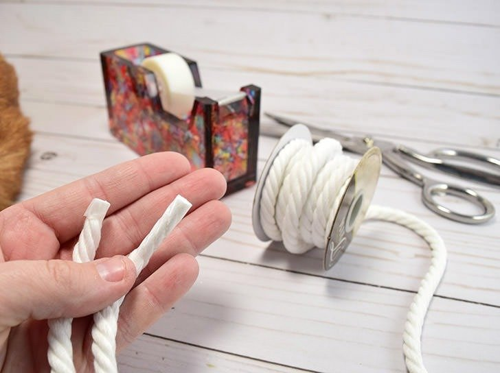 Learn how to make soap on rope. It's so easy and makes a nifty little gift!