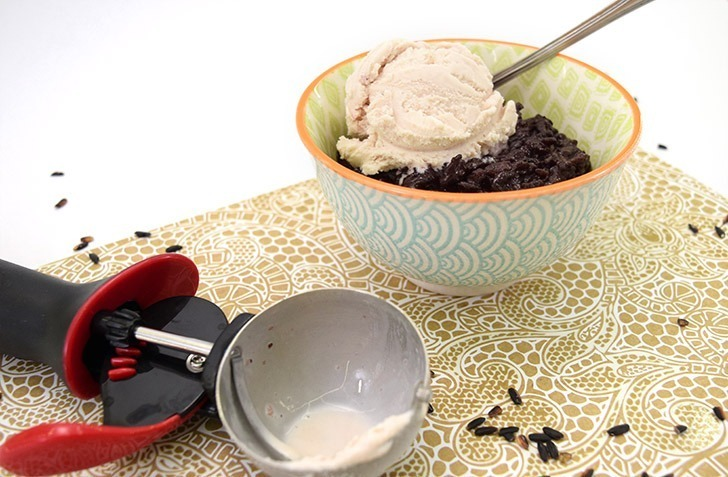 Black sticky rice is an easy and exotic dessert that everyone loves. Serve with mango or ice cream for a great sweet treat!