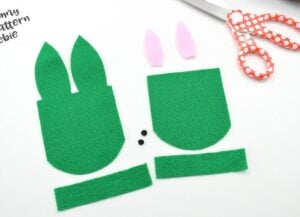 Get the free pattern to make these absolutely precious felt bunny bags. Great for Easter!