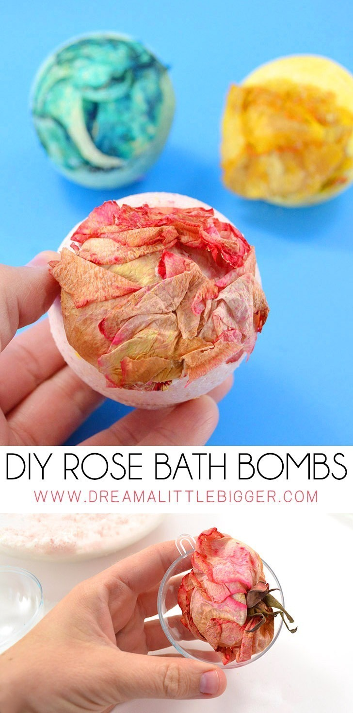 Don't you just love a fancy bath bomb? These rose bath bombs not only smell amazing but have a real rose in them. Check it out!