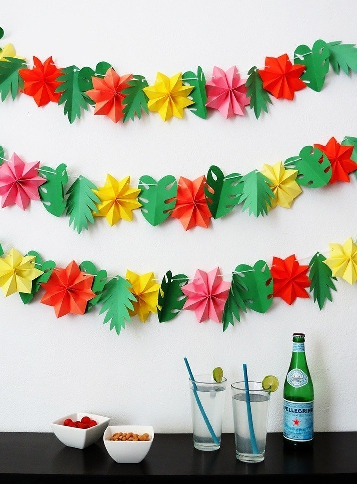 The tropical garland you need for your summer party