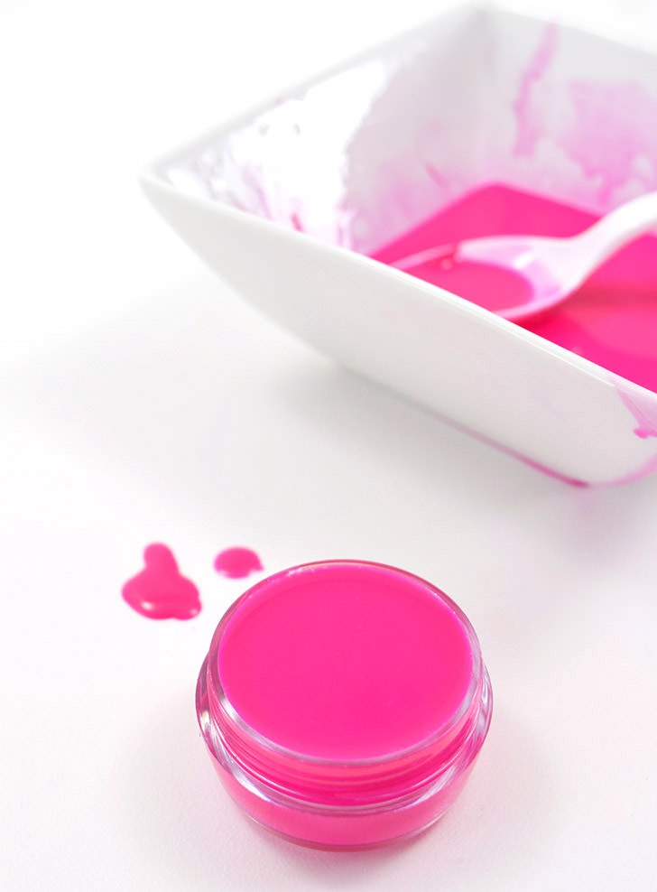 Make bright, vibrant petroleum jelly lip gloss at home that gives your lips the perfect amount of tint!