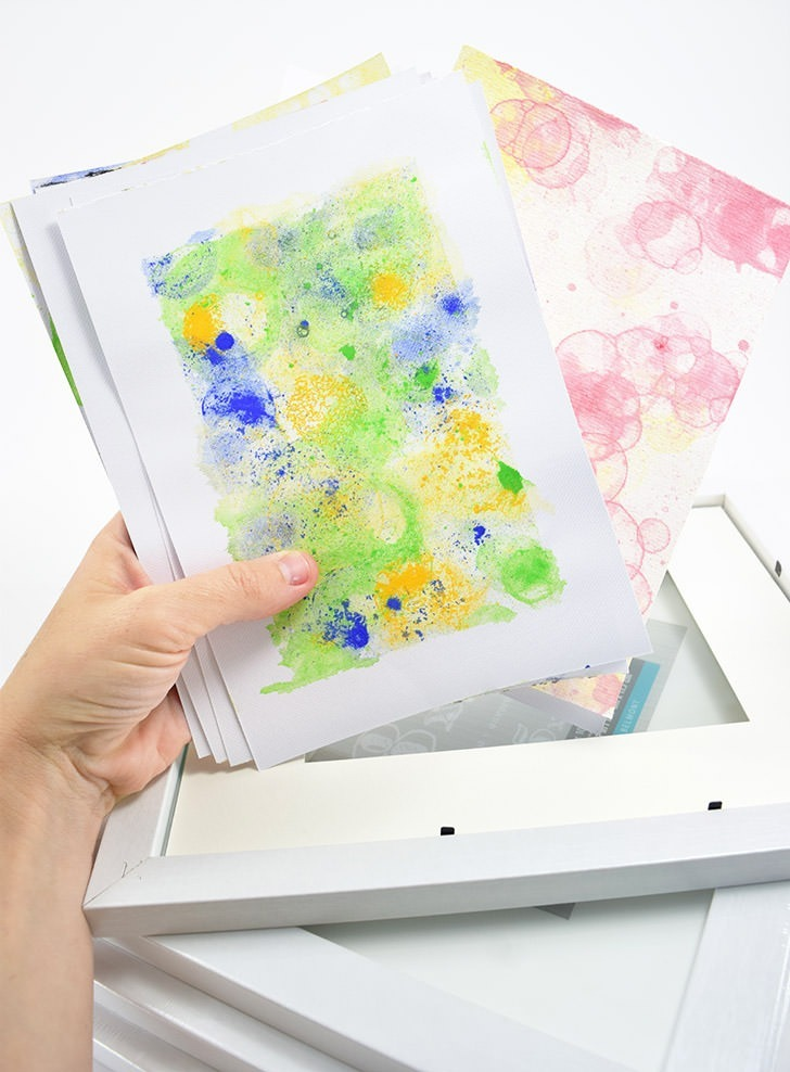 Bubble painting is a great kid's activity but it can also make some really cool DIY
