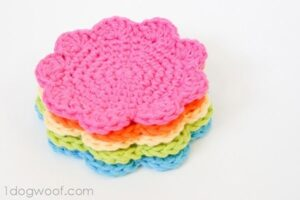 Bust that stash with these fantastic little projects perfect for some stash busting crochet like this awesome flower coasters!