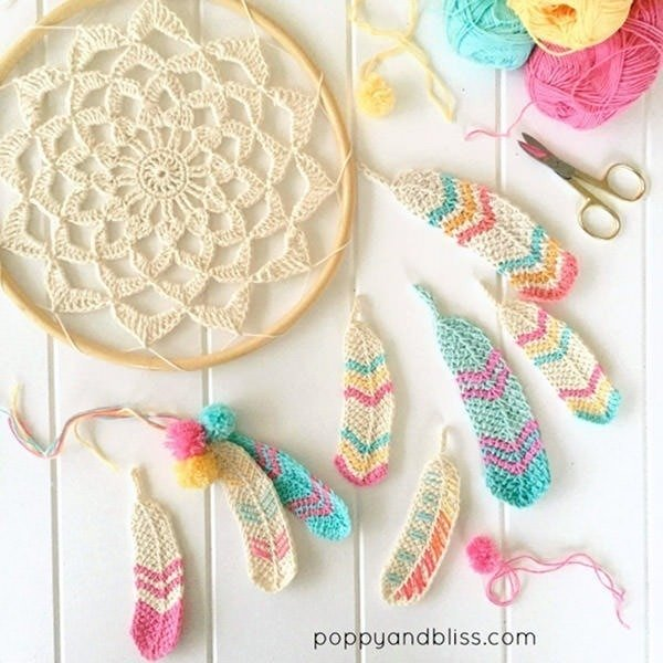 Bust that stash with these fantastic little projects perfect for some stash busting crochet like this awesome Tunisian crochet feathers!