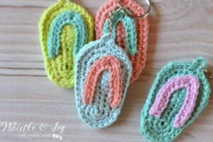 Bust that stash with these fantastic little projects perfect for some stash busting crochet like this awesome flip flops!