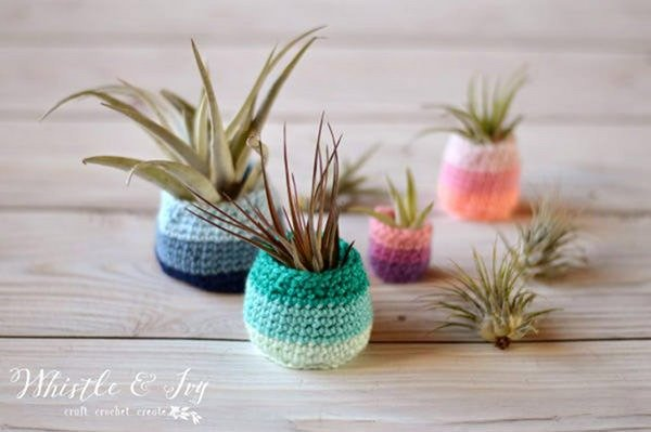 Bust that stash with these fantastic little projects perfect for some stash busting crochet like these awesome succulent holders!