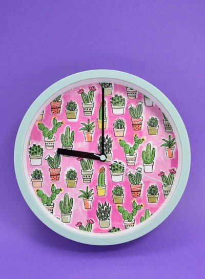 All good things take time, but not necessarily a ton of it! This 10 minute super simple decoupage personalized clock is a great DIY!