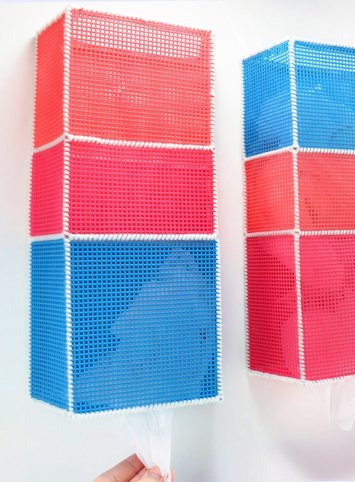 DIY Shopping Bag Holders from Plastic Canvas