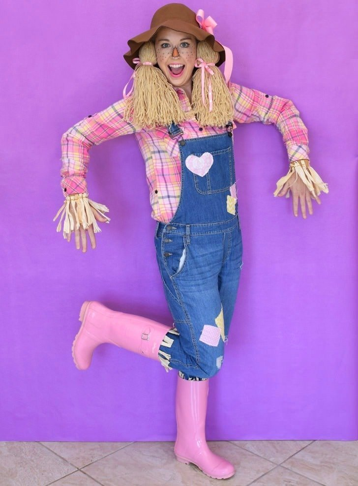 Super last minute scarecrow costume dream a little bigger save money and time pulling items out of your closet and craft stash for this so solutioingenieria Choice Image