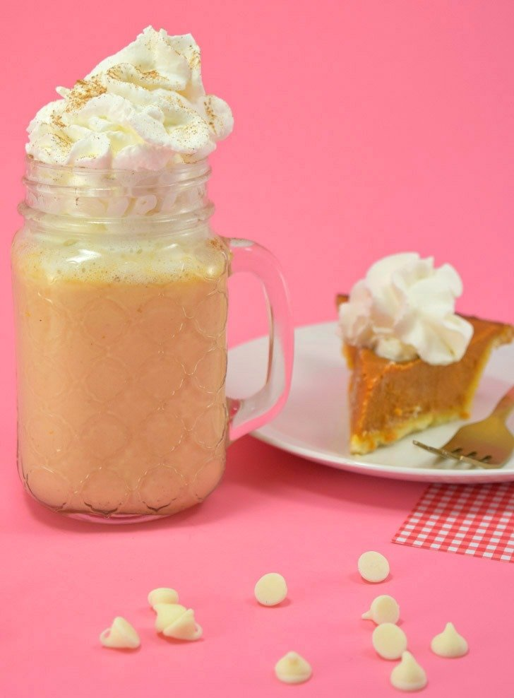 This pumpkin pie white hot chocolate really does taste like a piece of hot pumpkin pie! Make it in minutes from scratch... soooo good!
