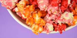 This crispy and sweet Jello popcorn is such a treat and so easy to make. You had me at no candy thermometer needed!