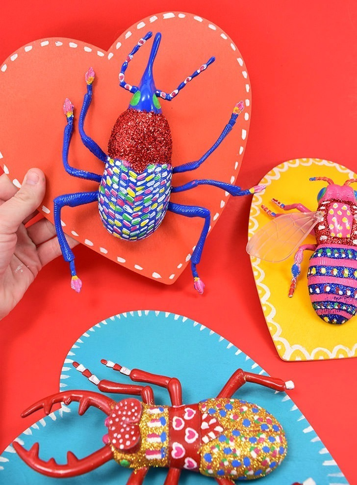 These sweet love bug Valentines are giant insect toys that you can display or play with. Set it up as a Valentine party activity and kids can decorate themselves!