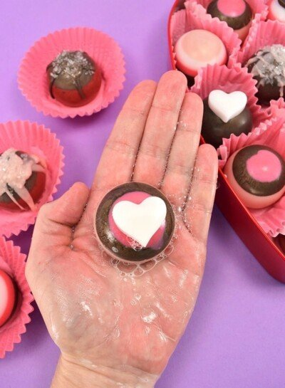 Can you believe these chocolate truffles are actually melt and pour soap? Get the tutorial to whip up a sweet batch!
