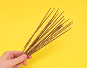 Want to make incense at home? It's super easy and can be made as strong as you please with your favorite scents! It also makes a great housewarming gift!