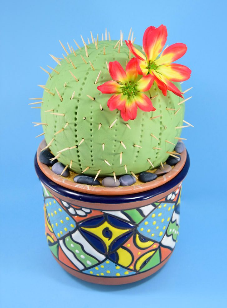 How to Make a Cactus Cake out of Cereal