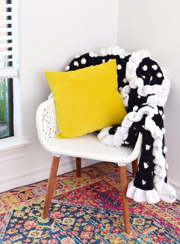 Crochet a polka dot afghan with this free pattern!