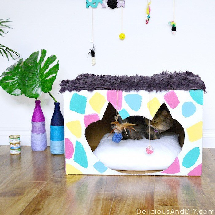 Love cats and love to craft? Check out a whole mess of colorful cat crafts that kitties (and their owners) are sure to adore!