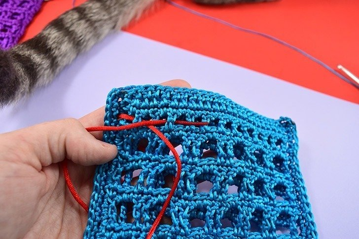 Mesh Crochet Seashell Collecting Bags for the Beach - Dream a Little