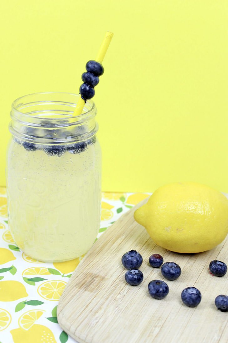 Blueberry Lemonade Wine Cocktail Recipe
