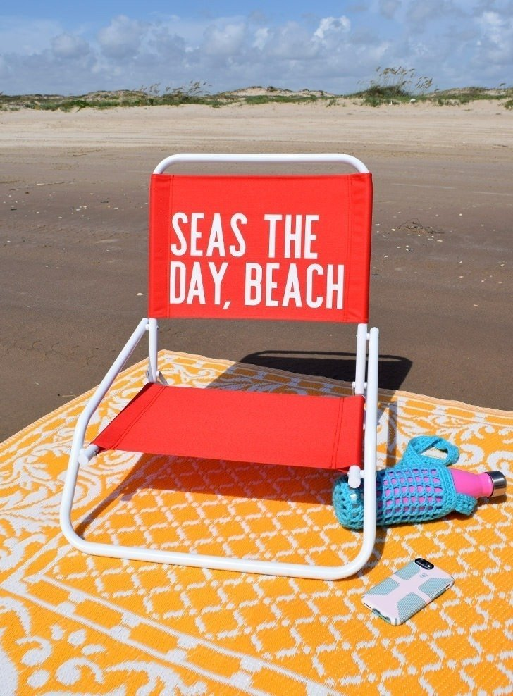 Cheeky Chairs – Applying HTV to Beach Chairs