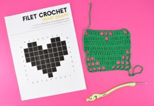 They all say filet crochet is so easy, and it is, but learning it can be quite hard. Check out pretty much EVERYTHING you could ever ask to learn filet crochet, including worksheets to help you figure those confusing graphs out!