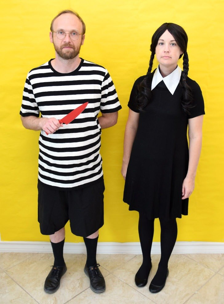 Looking for a cheap and easy couple's costumes? These Addams Family Halloween costumes use common items to turn a pair into Wednesday and Pugsley Addams!