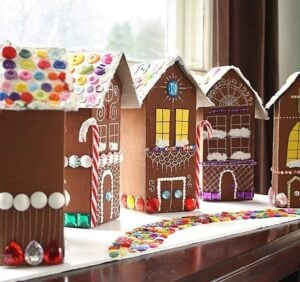 Gingerbread is one of the most festive holiday things I can think of. Check out all of these amazing gingerbread inspired crafts perfect for your homemade holidays!