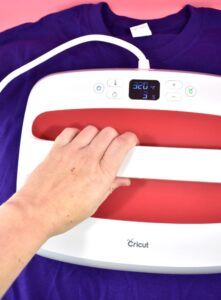 Thinking about getting a Cricut Easy Press 2? Here's what you need to know!