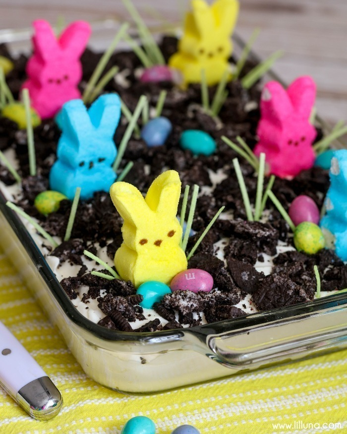 Hollow chocolate bunnies aside, Marshmallow Peeps are THE most Easter-y Easter candy I can think of! You, too? Check out over 35 amazingly sweet and adorable Marshmallow Peeps Recipes!