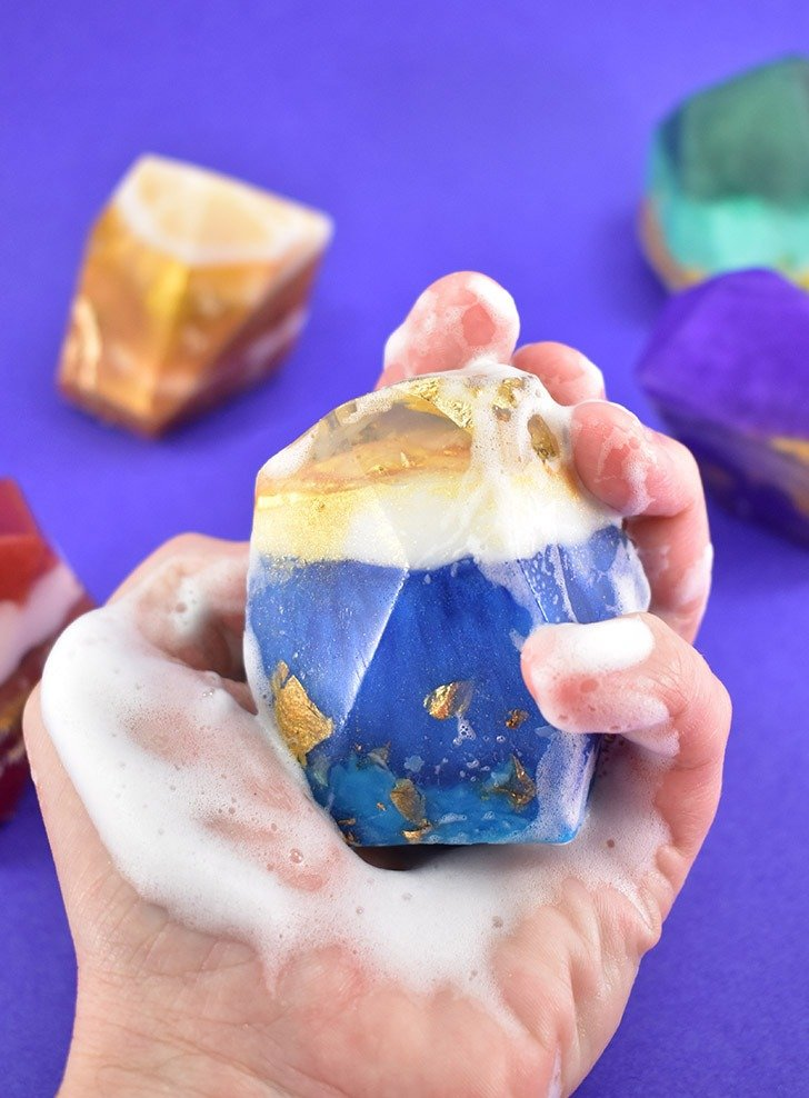 Gorgeous DIY crystal gemstone soaps only look difficult to make, but with an easy tutorial, even the beginner can make gorgeous rock soaps sure to impress!