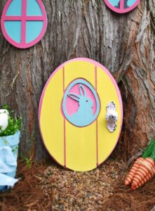 I have to make one of these adorable doors to the Easter Bunny's hideaway. What a whimsical little craft that will make my littles so happy!