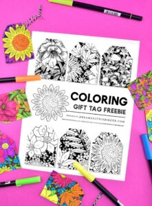 Grab these fabulous free floral gift tags to color and adorn your hand wrapped gifts. So simple but adds so much personality!
