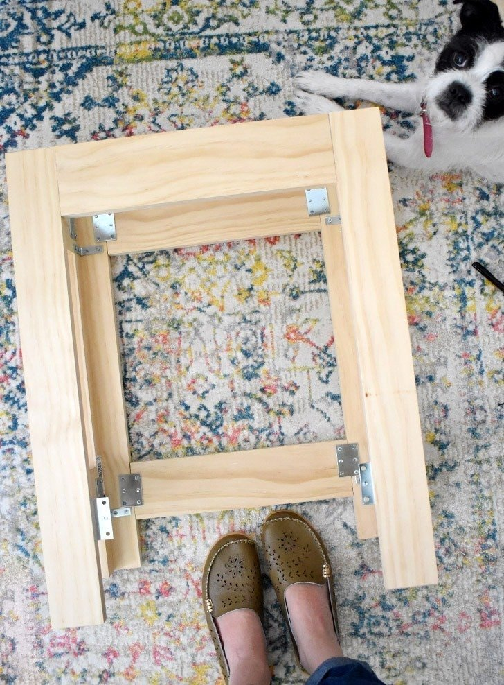 You have NEVER seen a pet bed as adorable as these amazing kitty bunk beds! So perfect if you have 2 cats and crazy cute! Build one with the free plans!