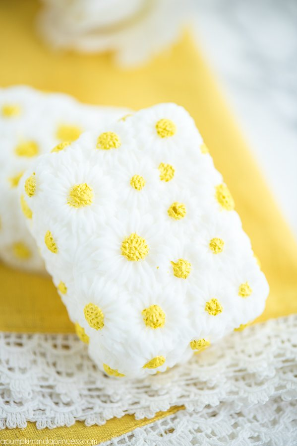 https://apuCheck out these gorgeous, colorful and sometimes totally surprising soaps that you can make with easy to follow tutorials!mpkinandaprincess.com/diy-vanilla-chamomile-soap/