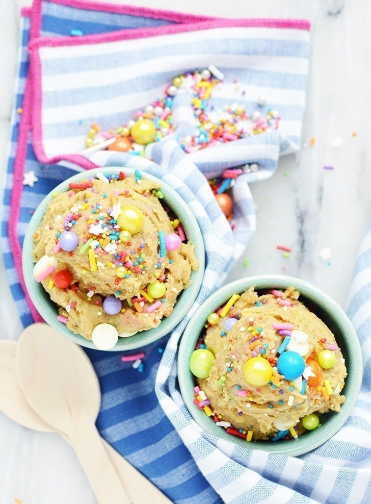 Who doesn't love cookie dough? But none of us like getting sick. This edible cookie dough recipe has NO raw flour and NO eggs and is completely safe to eat!
