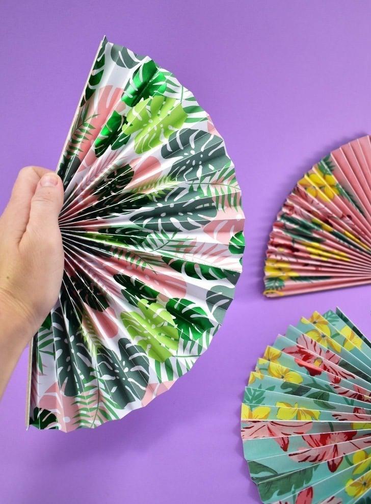 DIY Folding Paper Fans Tutorial ⋆ Dream a Little Bigger