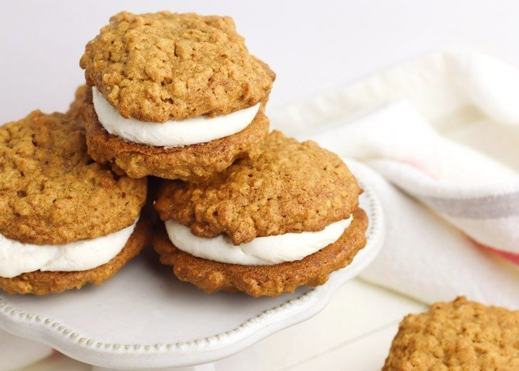 Gluten free and missing Little Debbie Oatmeal Creme Pies? This Pumpkin Oatmeal Cream Pie Recipe will hit the spot with a sweet fall flavor twist!