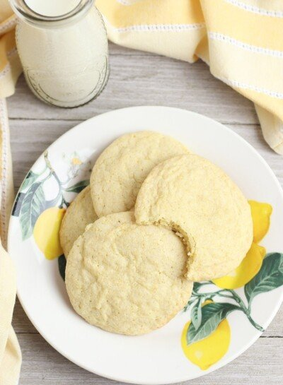 Got a hankering for something a little bit sweet and a little bit tart? This gluten free lemon cookie recipe hits the spot!
