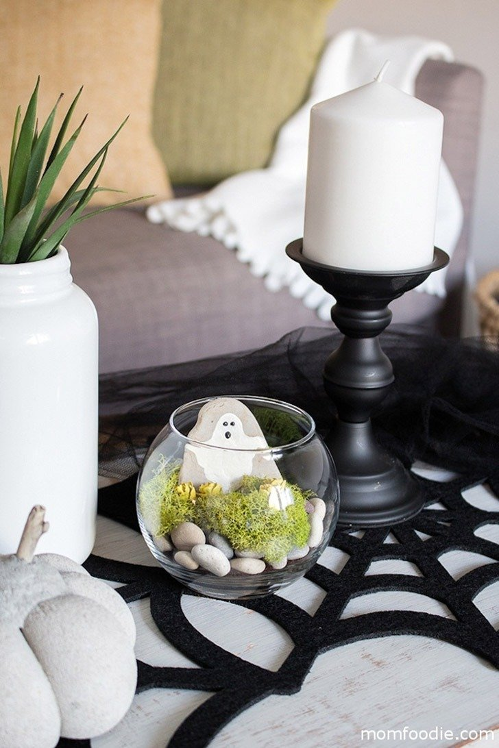 Halloween Crafts for Adults - Terrarium by Mom Foodie