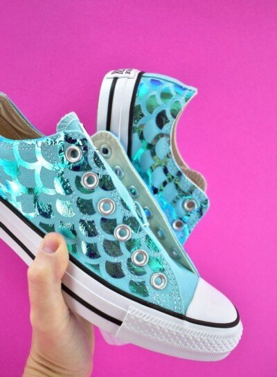 Every mermaid ashore would LOVE to have these DIY Mermaid Sneakers! Make a pair for your favorite mermaid lover and they'll love you for it!