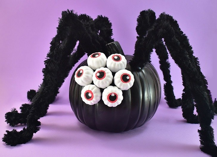 Leave the knife and make this adorable no-carve spider pumpkin that is easy enough for kids but fun enough for adults to make!