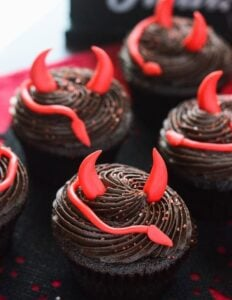 Halloween is the time to enjoy sweet treats! Check out these amazing sweet Halloween recipes with a dash of spooky!
